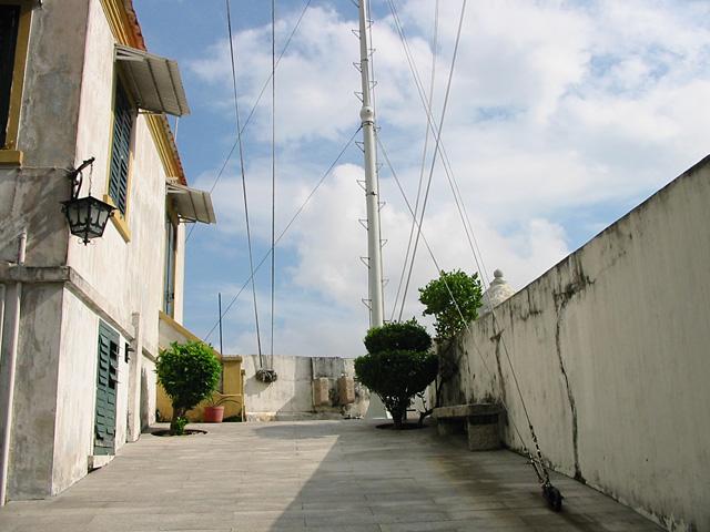http://images4.fotop.net/albums2/angcat/Macau/115_1596_IMG.jpg
